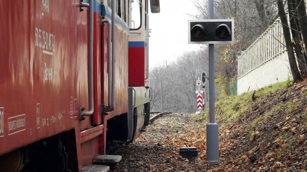 Fénysorompót ellenőrző útátjárójelző Csillebércen