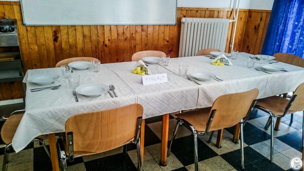 Terített asztal a BOSS-nak