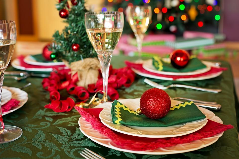 Karácsonyi asztal, ebéd, étel